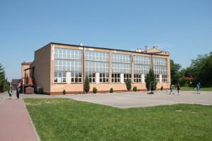 Hala Sportowa, Szkoła Podstawowa nr 1